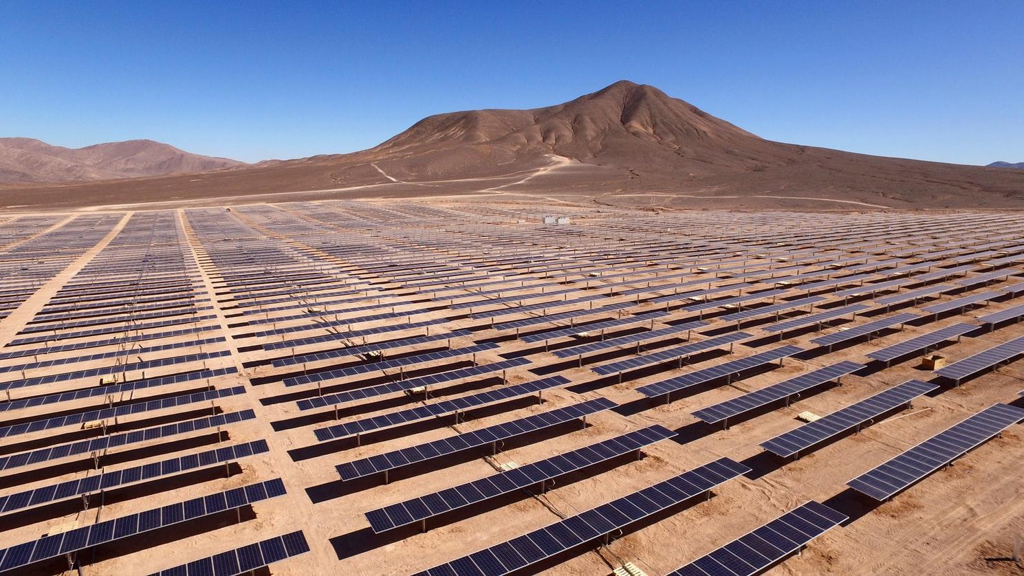 Le photovoltaïque solaire est une technologie clé pour atteindre l'UN-SDG7 : Une énergie propre et abordable pour tous.